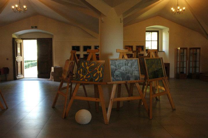 Bytcan.sk - pozvánka na výstavu Medzi nami
