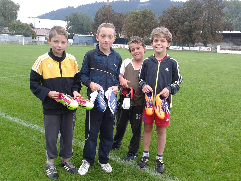 Mladým futbalistom odovzdali kopačky